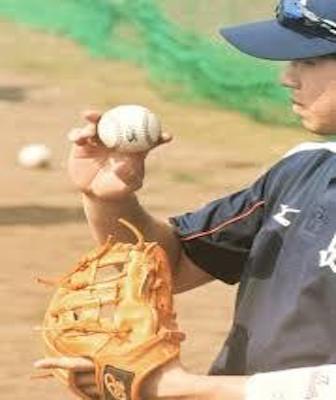 山田哲人 グローブ ドナイヤ