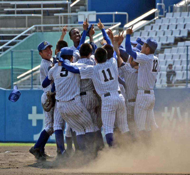 甲子園 注目選手 2016 松山聖陵 アドゥワ誠 将来性 ドラフト