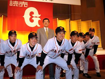 村田透 日本ハム 背番号 年俸 メジャー 成績 巨人
